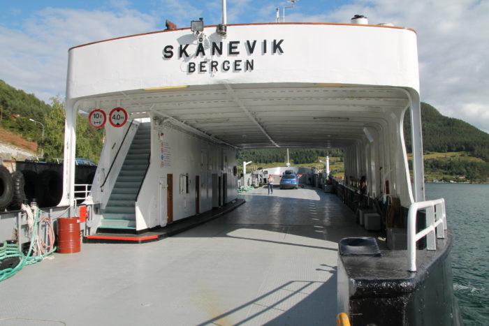 En bil til Frønningen  Foto: Leon Beesemer
