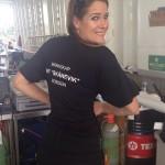 Yvonne selger mat og drikke